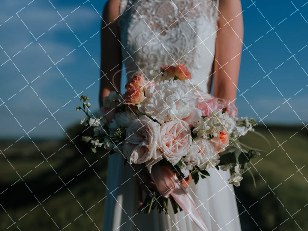 定制婚纱如何选择婚纱颜色