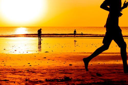 跑得快的不一定赢,不跌跟头才是成功