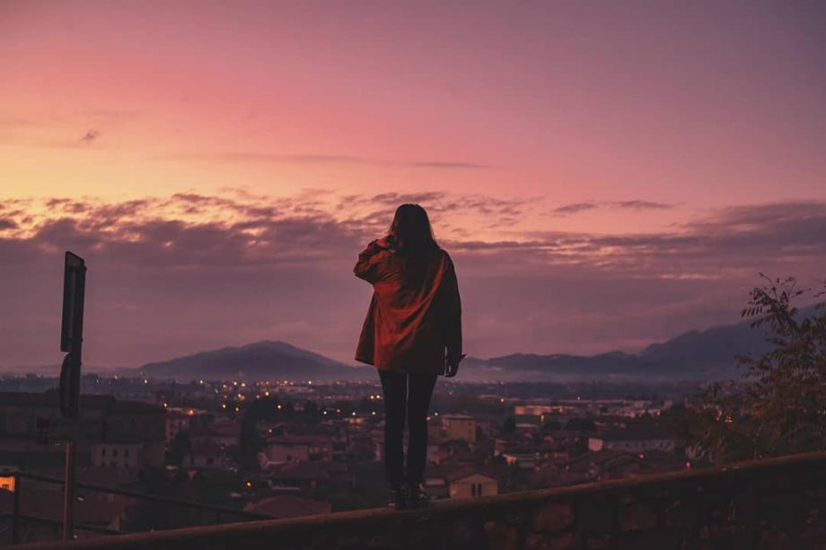 夢幻的浪漫色彩 淡紫色的黃昏時刻