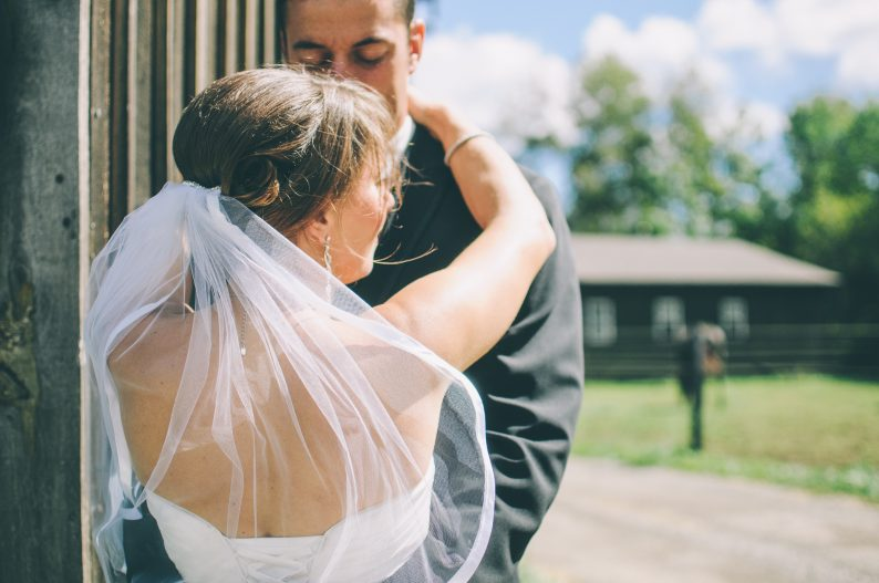 无证结婚成更多人选择,俄罗斯结婚率和离婚率30年来最低