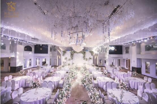 复古、典雅、时髦,凯瑟薇庭发布全新一季婚礼外景照片