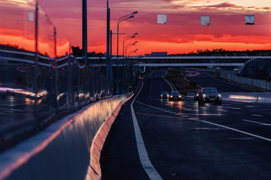 回憶短暫的美好 輕享橙黃色的晚霞時光