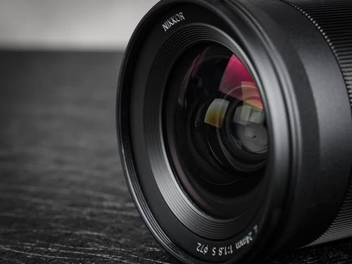 最遲三月末亮相 尼康三款鏡頭延期開售
