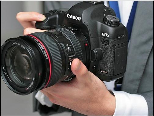 佳能EOS R5定位 無反相機系列中的EOS 5D