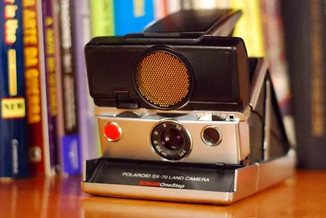 全新自動對焦 為當下設計的寶麗來相機