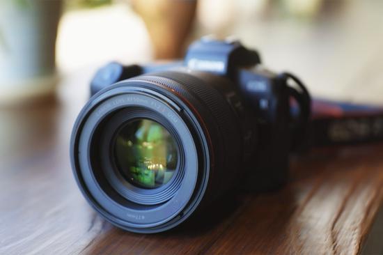 輕松學攝影 如何用好佳能大光圈鏡頭隨身美拍