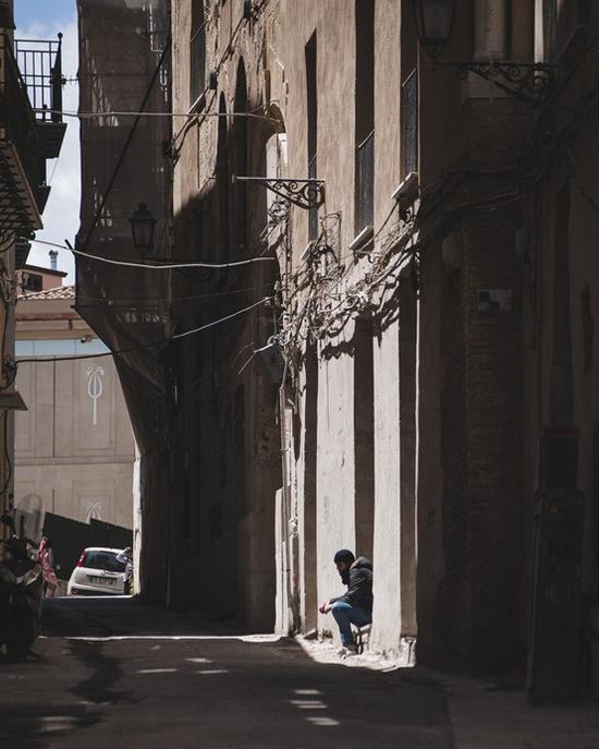 提升街头拍摄中观察力的小技巧