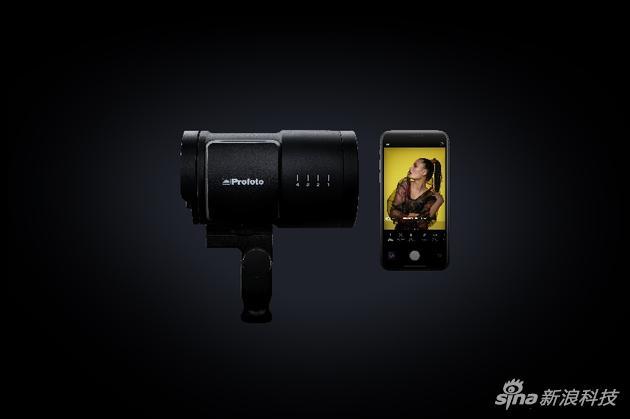 Profoto进军手机摄影领域 发布B10系列两款手机用灯具