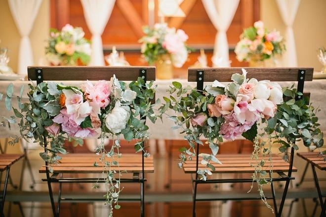 户外婚礼流行的当下,椅背装饰又该如何出彩