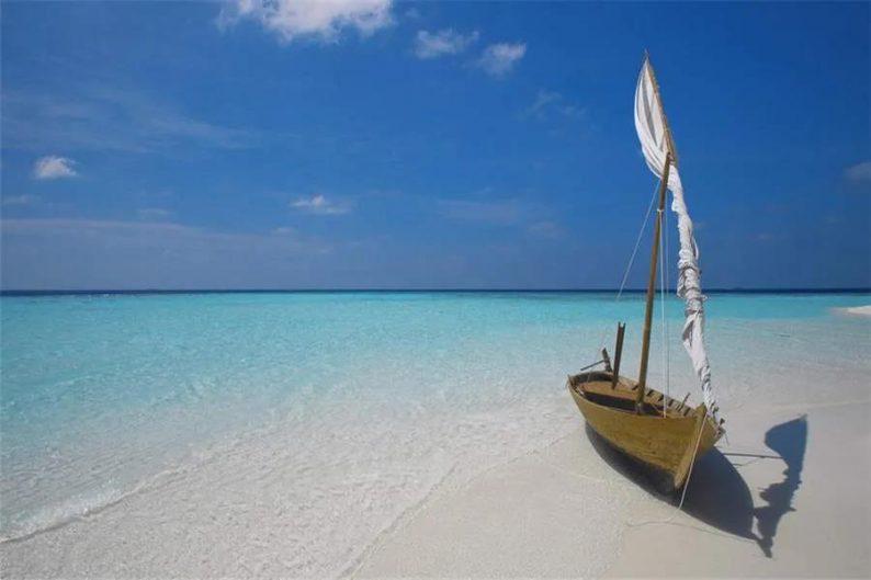 """巴厘岛、普吉岛""""争先恐后""""向国际游客开放"""