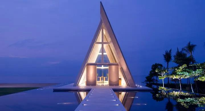 """巴厘島、普吉島""""爭先恐后""""向國際游客開放"""