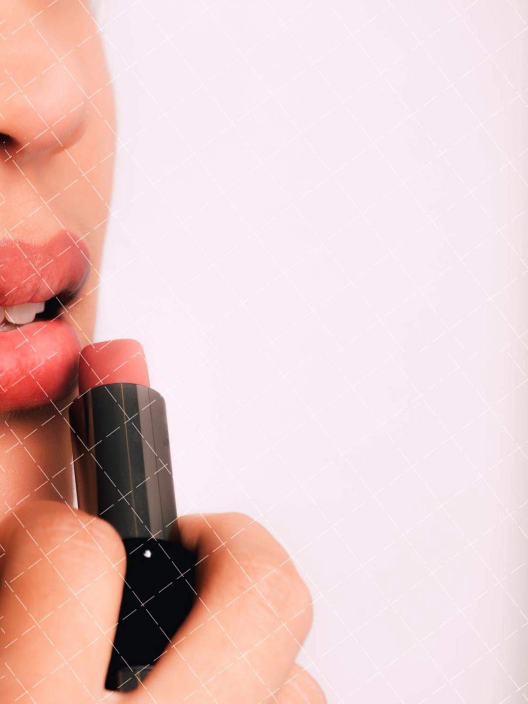 【美天棋牌】化妆教程 2021女生学化妆有什么优势-女孩当化妆师好不好